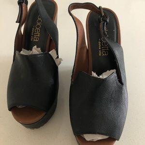 🍍 2/25 Dolce Vita platform sandals